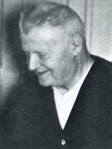 1947-edward-niess